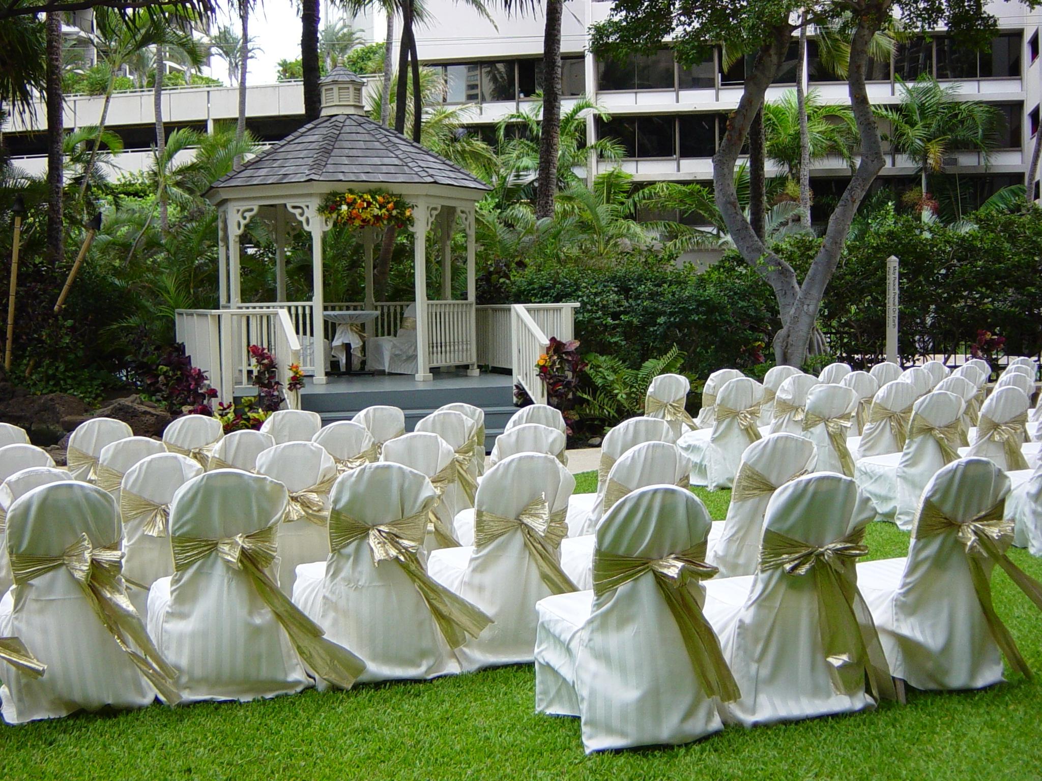 Hawaiian Wedding Gazebo In Waikiki